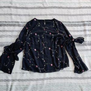 VINTAGE   Black embroidered top